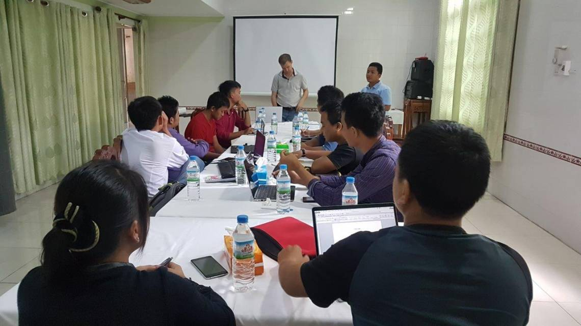 Journalists from Chin State and trainers from Fondation Hirondelle during the training session in Kale.