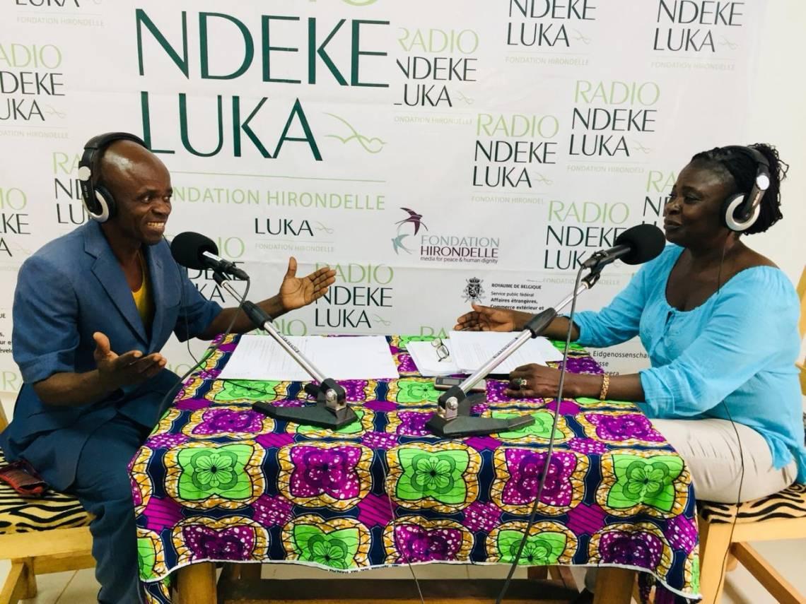 Pendant l'enregistrement du programme d'éducation dans les studios de Radio Ndeke Luka à Bangui.