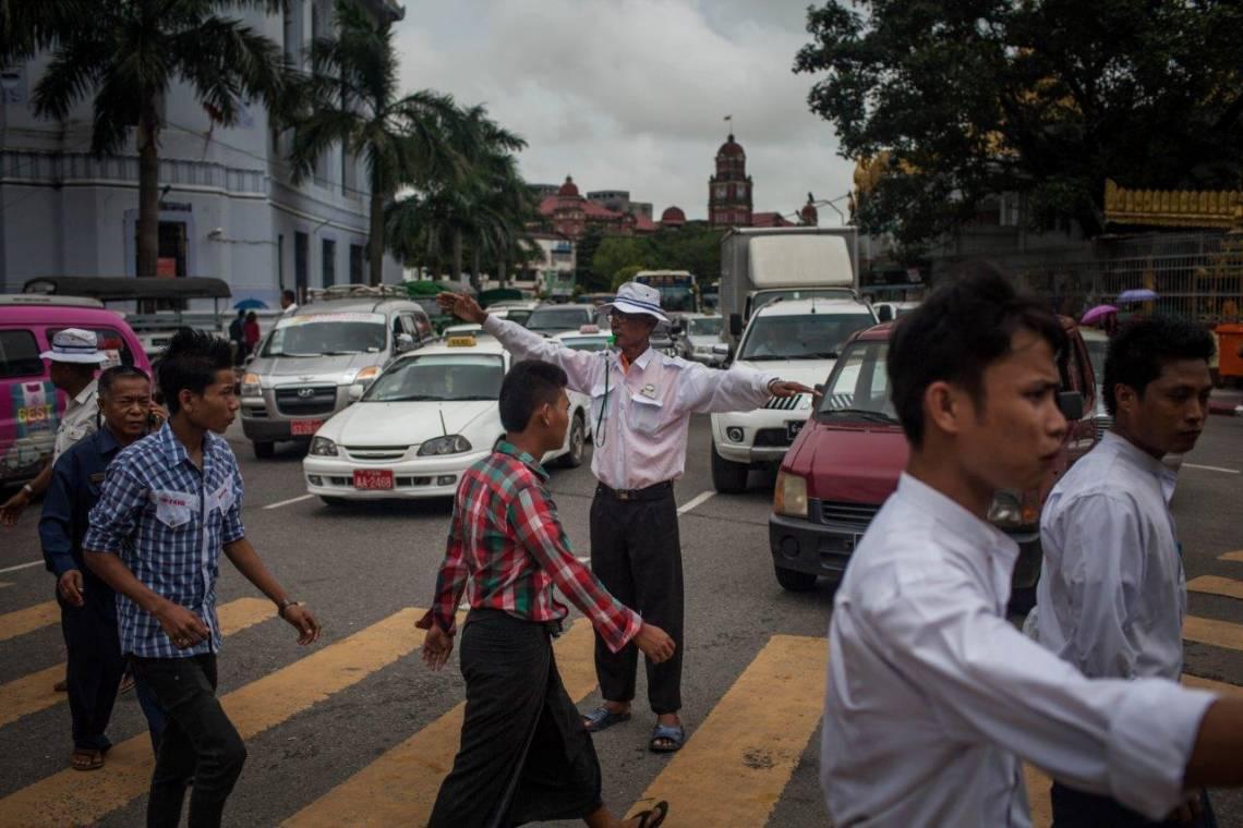 Dans les rue de Rangoon, en 2015.
