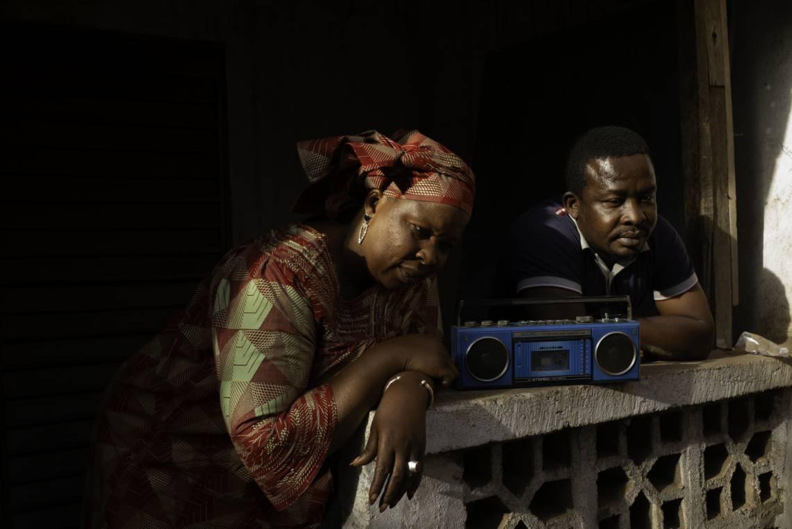 Listeners of Studio Tamani in Bamako in january 2021.