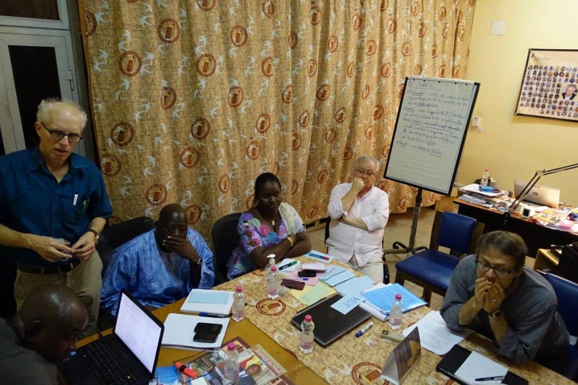 Christoph Spurk (left) leading a workshop with Studio Tamani team in Bamako (Mali) in 2016.