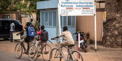 Elections in Burkina Faso: making the voices of young people heard with Studio Yafa