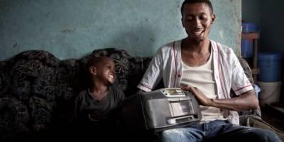 Notre guide de communication radio en contexte humanitaire avec le CICR