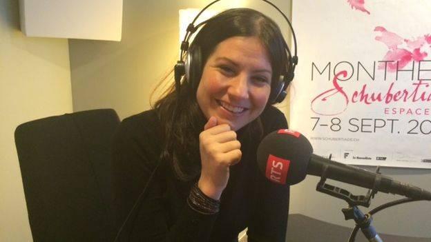 Ariane Hasler, journaliste, correspondante à Paris pour la RTS, Radio Télévision Suisse.