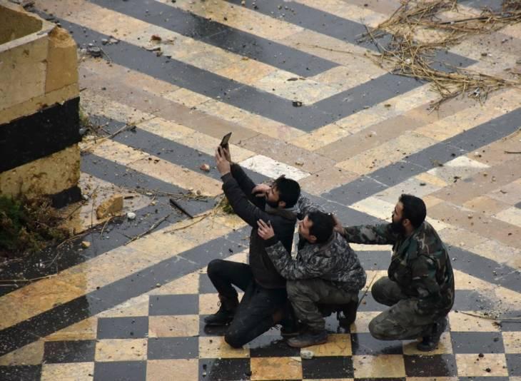 Les photos prises par les combattants en Syrie sont de plus en plus utilisées comme preuves contre eux à leur retour en Europe.
