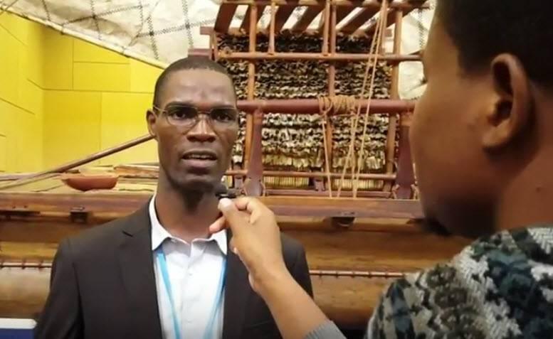 Joseph Kogbe, coordonnateur du Réseau Climat Développement répond aux questions de Mouhamadou Touré, envoyé spécial de la Fondation Hirondelle à la COP23 à Bonn.